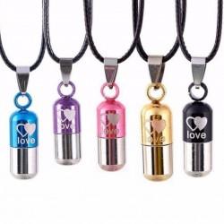 LOVE - capsule vorm hanger - ketting