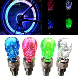 2 Stück - Auto / Motorrad / Fahrrad Reifenventilkappen - Neon LED Glühbirne - Schädel