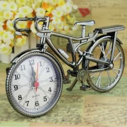 Vintage rower z zegarem