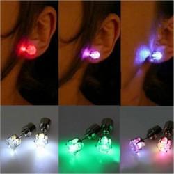 Mały kolczyk - z LED - stal nierdzewna - 1 sztuka