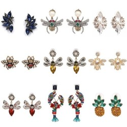 Fashionable stud earrings - crystals / bees
