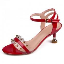Classic rivets sandals