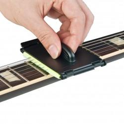 Pulitore per corde di chitarra elettrica