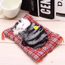 Śpiący kot pluszowa zabawka z dźwiękiem