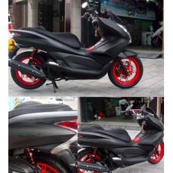 Adhesif pour moto mat de vinyle noir