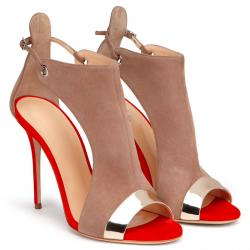 Klamra z paskiem szpilki na wysokim obcasie sandały