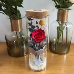 Bukiet róż nieskończoności w szklanym wazonie z oświetleniem LED