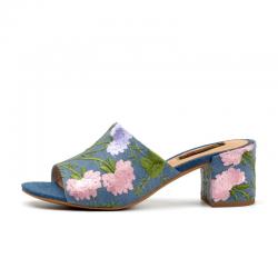 Sandales d'étè ouverts avec fleurs