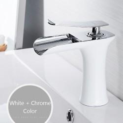 Bateria umywalkowa z pojedynczym uchwytem - mosiądz