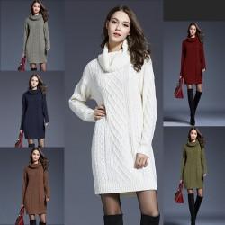Langer Strickpullover mit Rollkragen - Winterkleid