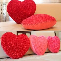 Herzformkissen mit Rosen