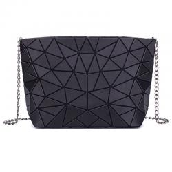 Świetlista geometryczna torba z łańcuchowym paskiem