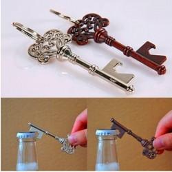 Otwieracz do butelek w kształcie klucza z brelokiem