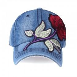 Dżinsowa czapka bejsbolówka z czerwoną różą