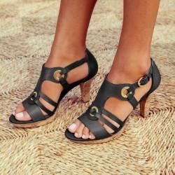 Sandales gladiateur en cuir à la mode