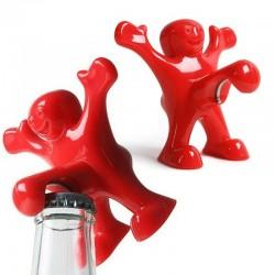 Czerwony ludzik - zabawny otwieracz do butelek