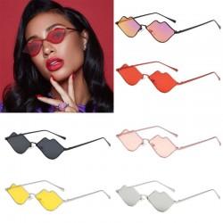 Okulary przeciwsłoneczne w kształcie ust z metalową ramką